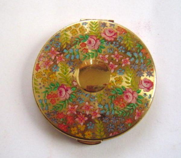 Kigu floral compact