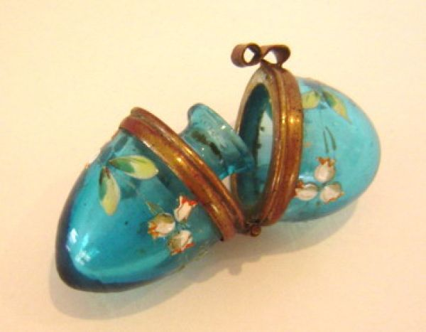 Blue enamelled glass egg perfume