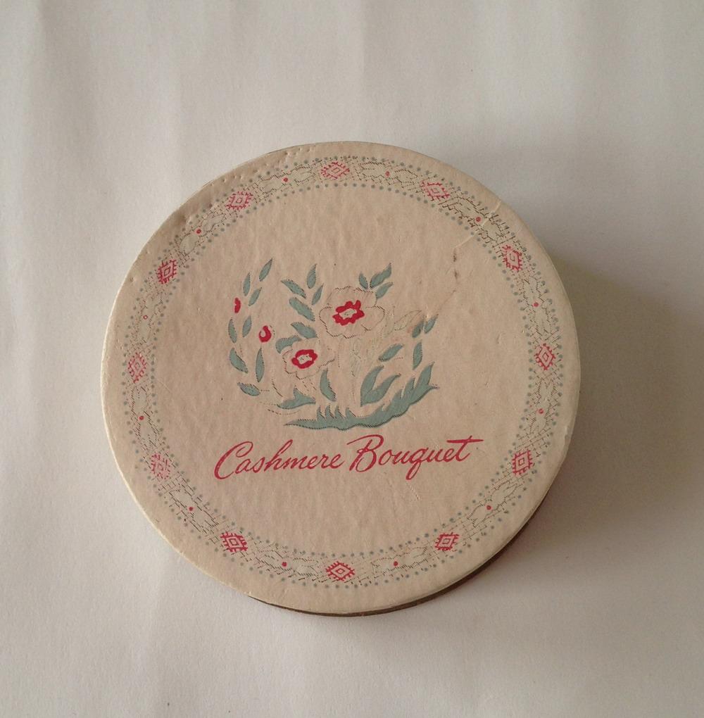 Colgate & Co - Cashmere Bouquet - Face Powder - pink box